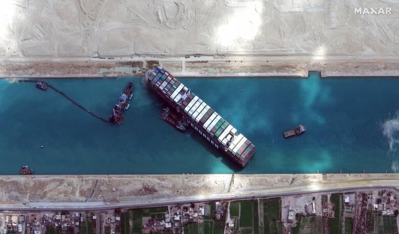 Διώρυγα του Σουέζ: Δεκαέξι ελληνικά πλοία στην αναμονή - Πλακιωτάκης: Έτοιμοι να παράσχουμε βοήθεια