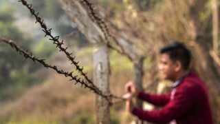 Αποκλειστικό CNNi: Κάτοικοι της Μιανμάρ δραπετεύουν στην Ινδία