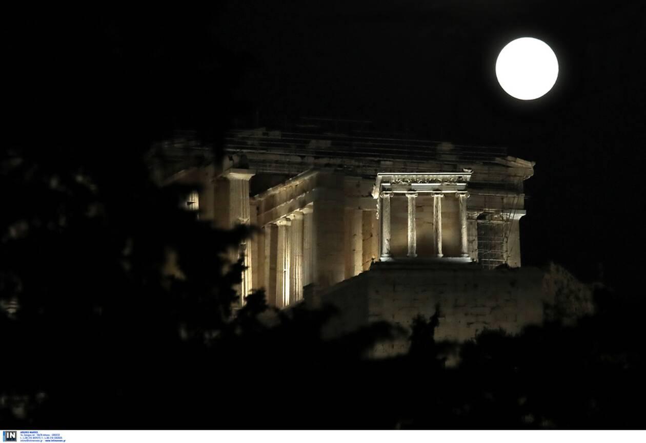 https://cdn.cnngreece.gr/media/news/2021/03/28/259933/photos/snapshot/panselinos-skoulikiou-akropoli-3.jpg