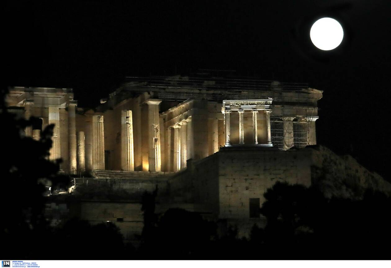 https://cdn.cnngreece.gr/media/news/2021/03/28/259933/photos/snapshot/panselinos-skoulikiou-akropoli-4.jpg