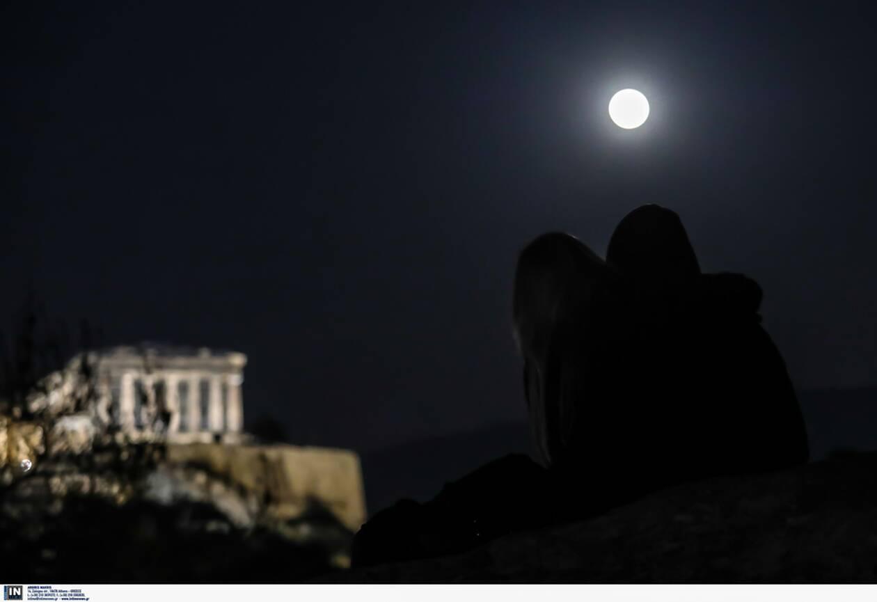 https://cdn.cnngreece.gr/media/news/2021/03/28/259933/photos/snapshot/panselinos-skoulikiou-akropoli-5.jpg