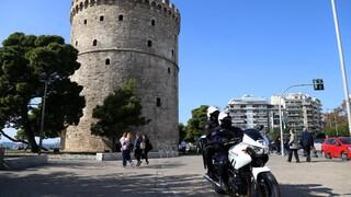 Lockdown: Κοσμοπλημμύρα στη Νέα Παραλία Θεσσαλονίκης
