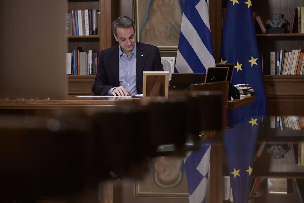 https://cdn.cnngreece.gr/media/news/2021/03/28/259945/photos/snapshot/mitsotakis-trinto-1.jpg