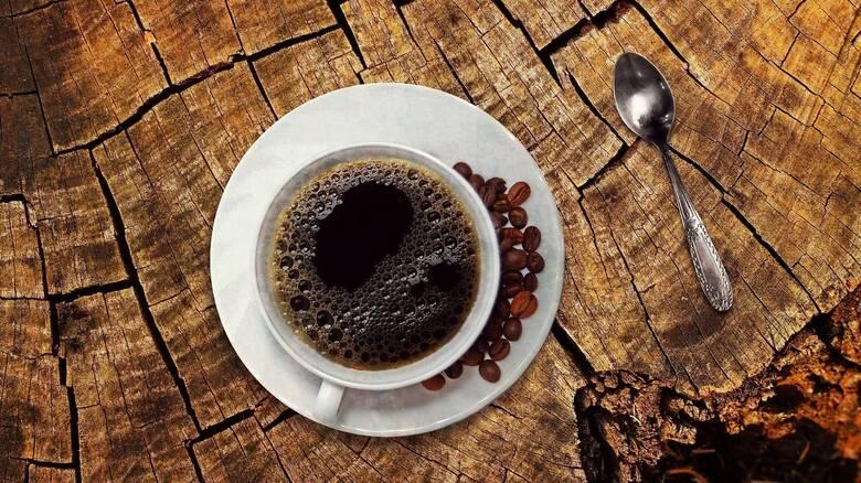 Έρευνα: Η κατανάλωση καφέ βοηθά τους ασθενείς με μεταστατικό καρκίνο εντέρου