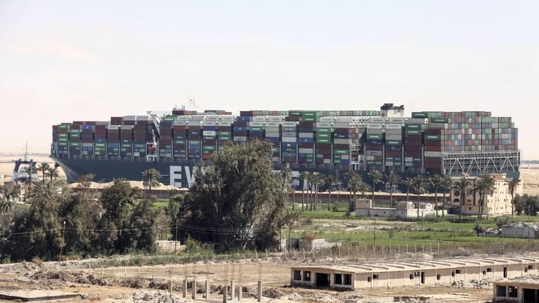 Διώρυγα Σουέζ: Πτώση στις τιμές του πετρελαίου μετά την αποκόλληση του Ever Given