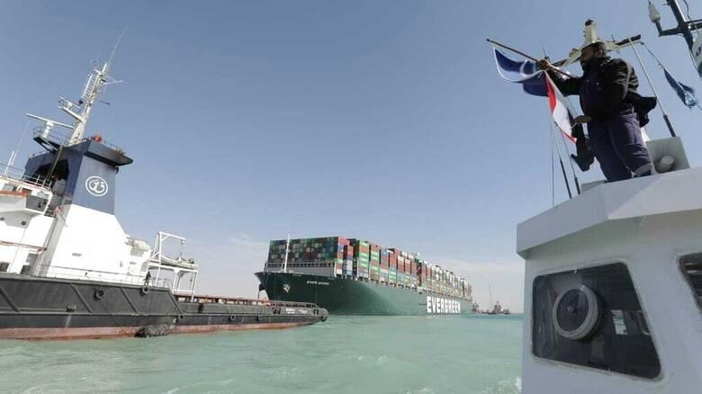 Διώρυγα του Σουέζ: Ξεκίνησε η διέλευση των πλοίων - Έλληνας πλοίαρχος περιγράφει την κατάσταση