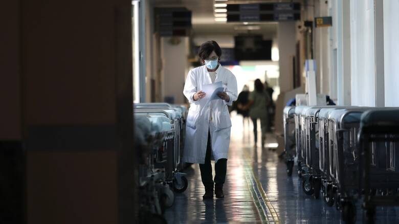 Κορωνοϊός: «Μαύρο» ρεκόρ με 755 διασωληνωμένους - 3.491 νέα κρούσματα και 67 θάνατοι