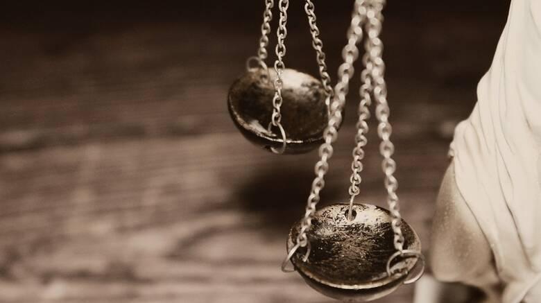 Κρήτη: Ενώπιον της Δικαιοσύνης ο 41χρονος που ξυλοκόπησε μέχρι θανάτου τη σύντροφό του