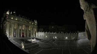Μεγάλη Παρασκευή Καθολικών: Μήνυμα του Πάπα υπέρ του εμβολιασμού - Δίπλα στους άπορους
