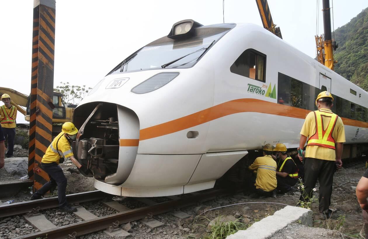 https://cdn.cnngreece.gr/media/news/2021/04/03/260669/photos/snapshot/taiwan_traino_dystyxima-1.jpg