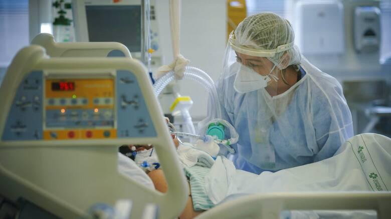 ΠΟΕΔΗΝ: Νέο αρνητικό ρεκόρ με 86 διασωληνωμένους ασθενείς κορωνοϊού εκτός ΜΕΘ