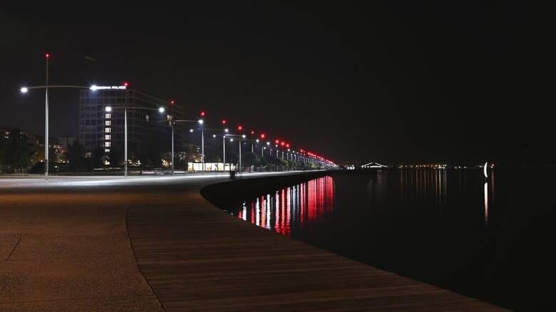 Κορωνοϊός: Το τρίτο κύμα κρατά τα ρολά κατεβασμένα σε Θεσσαλονίκη, Αχαΐα και Κοζάνη