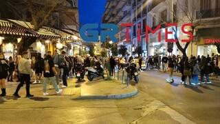 Κορωνοϊός - Θεσσαλονίκη: Ουρές για ένα ποτό take away - Κοσμοσυρροή στην παραλιακή
