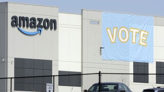 Σε απολογία η Amazon για το πού αναγκάζονται να ουρούν οι οδηγοί της