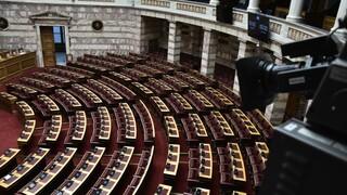 Αντιπολίτευση κατά κυβέρνησης για το νέο νομοσχέδιο που αλλάζει τα εργασιακά