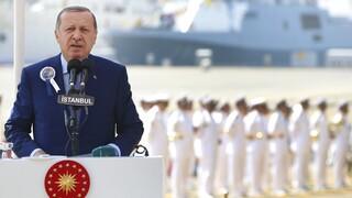 Τουρκία: Έκτακτη σύσκεψη υπό τον Ερντογάν μετά την «απειλή πραξικοπήματος»