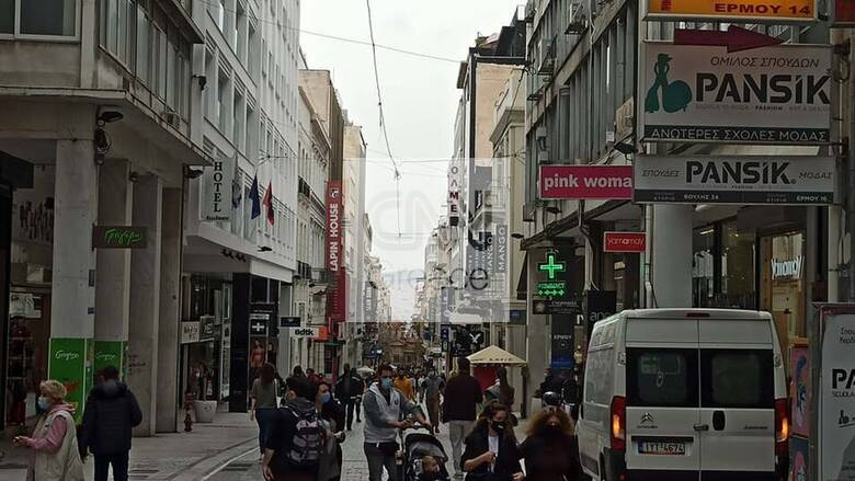 Ικανοποίηση αλλά και οργή: Τι λένε στο CNN Greece παράγοντες της αγοράς