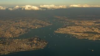 Τουρκία: Οι συλλήψεις των ναυάρχων, η διώρυγα της Κωνσταντινούπολης και η Γαλάζια Πατρίδα