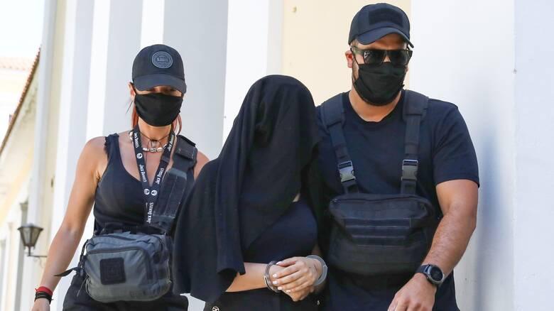 «Δεν ήθελα να τη σκοτώσω»: Η απολογία της 36χρονης για την επίθεση με το βιτριόλι
