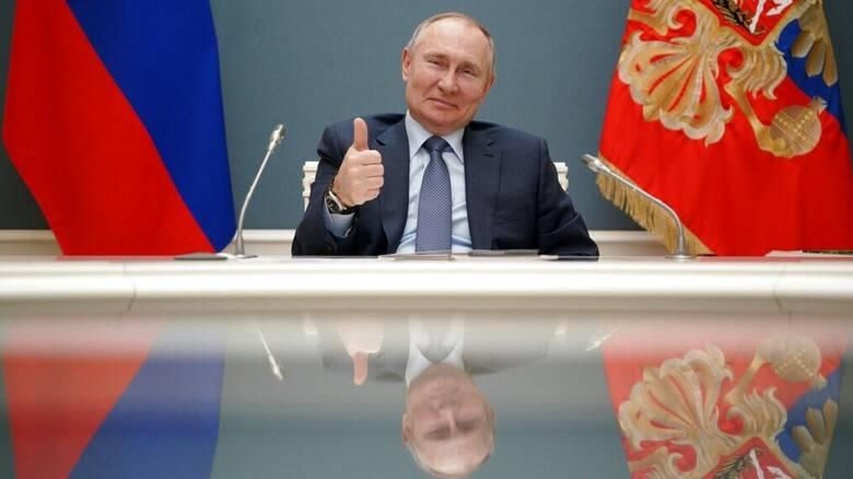 Ρωσία: «Ισόβιος πρόεδρος» ο Πούτιν - Στην εξουσία έως το... 2036