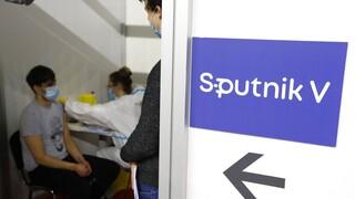 Οι Ρώσοι απαντάνε στον Τσίπρα: Δόσεις Sputnik V για 500.000 Έλληνες μέσα στον Μάιο