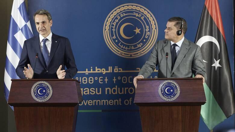Στη Λιβύη ο Μητσοτάκης: Πρόθυμη η Τρίπολη σε συνομιλίες για τον ορισμό των θαλάσσιων συνόρων
