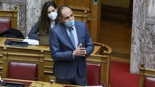 Κόντρα Γεραπετρίτη - Πολάκη στη Βουλή για τις διασωληνώσεις ασθενών