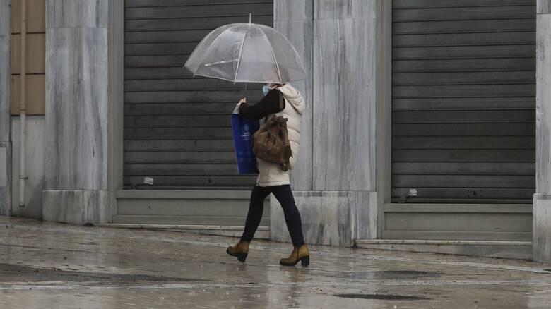 Καιρός: Χειμωνιάτικο σκηνικό με βροχές και χιόνια την Πέμπτη