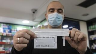 Στο «κόκκινο η αντιπαράθεση κυβέρνησης - ΣΥΡΙΖΑ για τα self test και το άνοιγμα