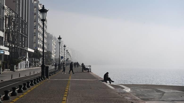Επιτροπή Λοιμωξιολόγων: «Μαύρος καπνός» για άνοιγμα λιανεμπορίου σε Θεσσαλονίκη, Κοζάνη και Αχαΐα