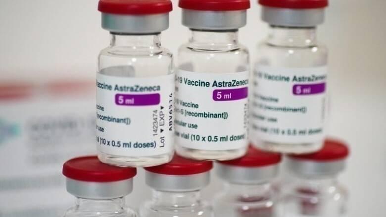 Εμβόλιο AstraZeneca: Να χορηγείται σε ηλικίες άνω των 30 ετών αποφάσισε η Επιτροπή Εμβολιασμών