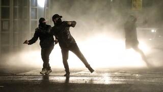Βόρεια Ιρλανδία: Θέατρο συγκρούσεων ξανά το Μπέλφαστ, «κενό γράμμα» οι εκκλήσεις για ηρεμία