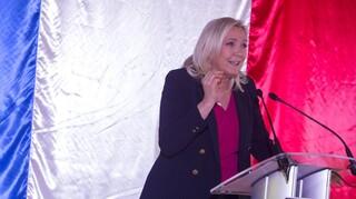 Μαρίν Λεπέν: Θα είμαι υποψήφια στις προεδρικές εκλογές του 2022