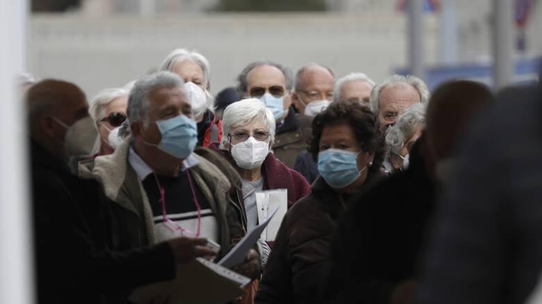 Κορωνοϊός – Ιταλία: Μόλις το 38,7% των πολιτών άνω των 80 ετών έχει εμβολιαστεί πλήρως