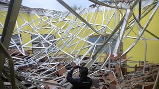 Σεισμός στην Ινδονησία: Νεκροί, τραυματίες και ζημιές σε τουλάχιστον 300 κτήρια