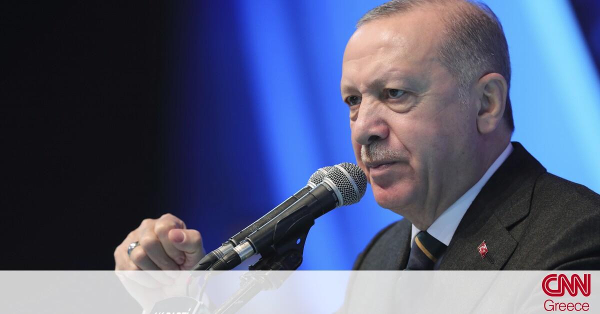 Οργή Ερντογάν: «Παγώνει» συμφωνία για αγορά ελικοπτέρων μετά το «δικτάτορας» του Ντράγκι