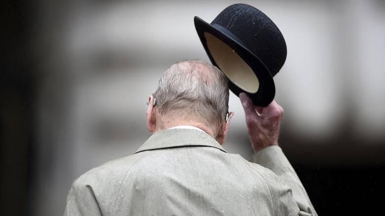 Κηδεία πρίγκιπα Φίλιππου: «Τελευταίο αντίο» με 30 άτομα – Ποιοι αναμένεται να δώσουν το «παρών»