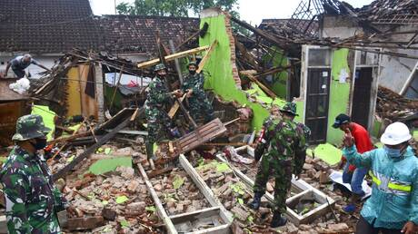Ινδονησία: Επιχείρηση ταχείας διάσωσης και παροχής βοήθειας μετά τον σεισμό των 5,9 Ρίχτερ