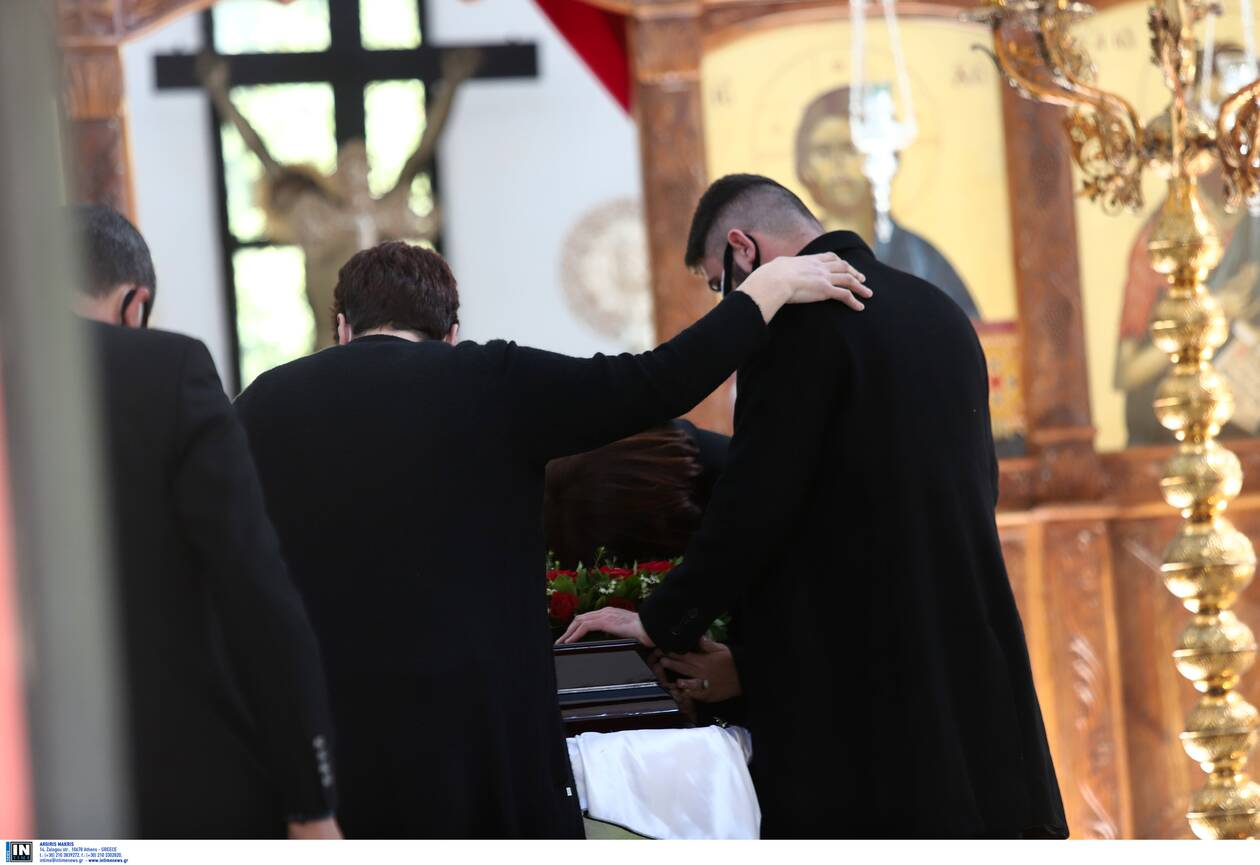 https://cdn.cnngreece.gr/media/news/2021/04/11/261695/photos/snapshot/karaivaz-khdeia3.jpg