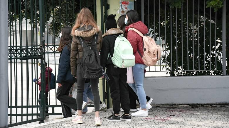 Επιστροφή στα θρανία για τους μαθητές Λυκείου - Με τα αποτελέσματα των self test... ανά χείρας