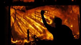 ΗΠΑ: Νέα επεισόδια στη Μινεάπολη έπειτα από θανάσιμο τραυματισμό μαύρου σε έλεγχο αστυνομικών