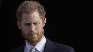 Sun: O πρίγκιπας Χάρι επέστρεψε στη Βρετανία για την κηδεία του παππού του