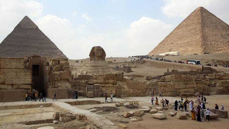Ο τουρισμός επιστρέφει στην Αίγυπτο: Ο κορωνοϊός επιμένει αλλά με χαμηλά νούμερα