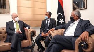 Στη Βεγγάζη ο Δένδιας: Στη διάθεση της Λιβύης η Ελλάδα για τις θαλάσσιες ζώνες