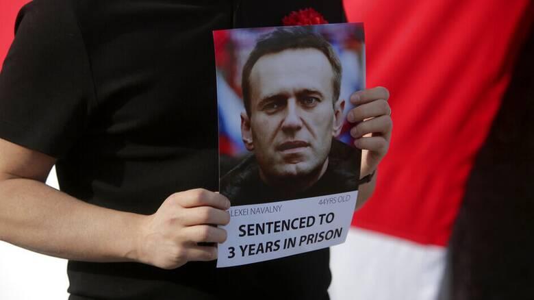 Αλεξέι Ναβάλνι: Απειλείται με αναγκαστική σίτιση στις ρωσικές φυλακές