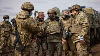 Αποκλειστικό CNNi: Στα χαρακώματα της Ανατολικής Ουκρανίας μαζί με τον πρόεδρο Ζελένσκι