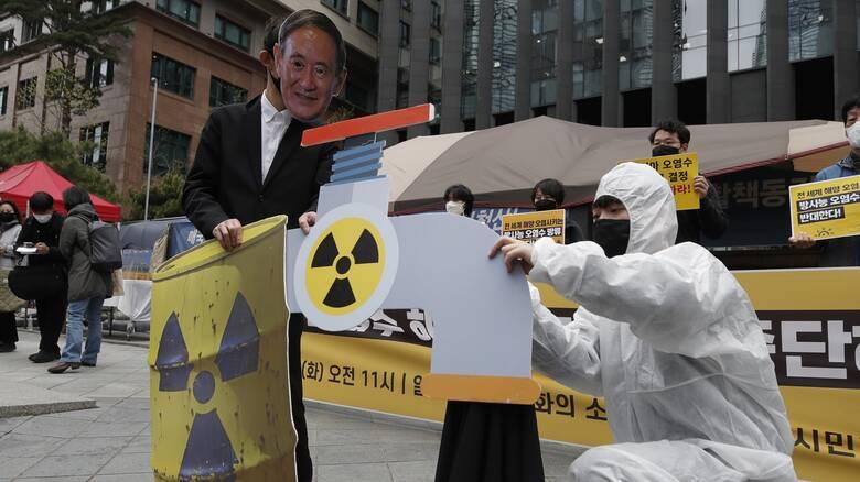 Ιαπωνία: Κύμα αντιδράσεων και εκτός συνόρων για την απόρριψη τόνων μολυσμένου νερού στη θάλασσα