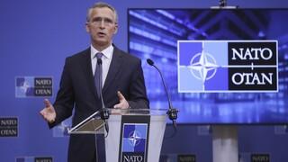 Στόλτενμπεργκ: Η Ρωσία να σταματήσει τη μεταφορά δυνάμεων στα σύνορα της Ουκρανίας