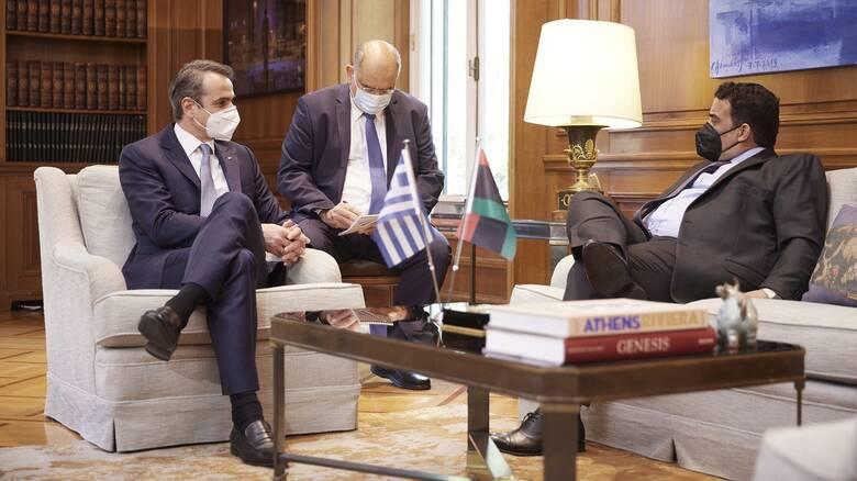 Συνάντηση Μητσοτάκη με τον Λίβυο Πρόεδρο: Επανεκκίνηση συζήτησης για τις θαλάσσιες ζώνες