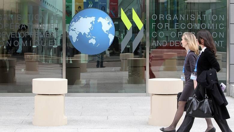 ΟΟΣΑ: Γραφειοκρατία και αργό σύστημα δικαιοσύνης πλήττουν την επιχειρηματικότητα στην Ελλάδα